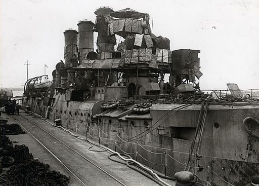 hms-vindictive-after-the-zeebrugge-raid-23-april-1918-2